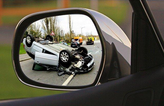 nehoda v zrcátku.jpg