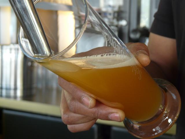 točení piva.jpg